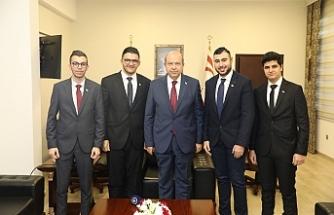 """Tatar: """"Kıbrıs'ta yan yana, egemen eşitlik temelinde iki devletten başka çaremiz yok"""""""