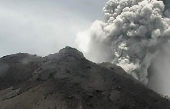 MerapiYanardağı'nda dünden bu yana 3 patlama