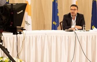 Rum Maliye Bakanından siyasi partilere çağrı
