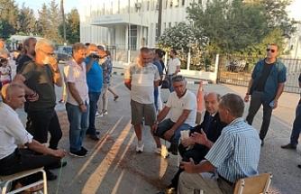 Başbakan eylemcilerle görüştü
