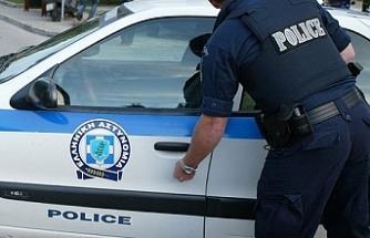 Güneyde bebeklerine kötü muamelede bulunan bir çift tutuklandı