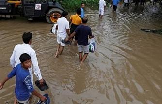 Hindistan'ın Assam eyaletinde sel ve toprak kaymalarında 42 kişi öldü