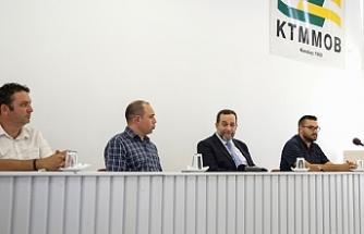 """Denktaş: """"Geçmişte Kıbrıs Türküne var olan saygılı duruşu yeniden kazanmamız gerekiyor"""""""