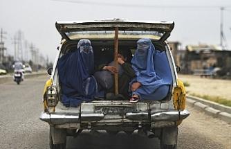 Afganistan'da yeni yasayla kimlik kartlarında anne adı da yazacak