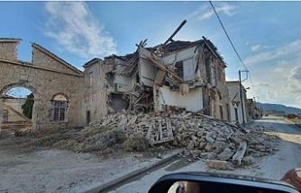İzmir ve Samos'taki deprem Rum basınında