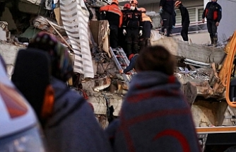 İzmir'de 5 büyüklüğünde artçı sarsıntı