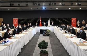 """Koca: """"İstanbul'da vaka sayısı Türkiye genelinin yüzde 40'ına, Ankara'nın 5 katına ulaştı"""""""
