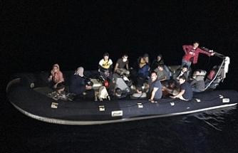 Yenierenköy açıklarında 23 düzensiz göçmen bulundu