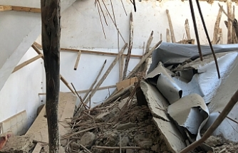 Aşığı yağışlar ile evin damı çöktü
