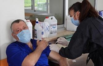 65 yaş ve üstü vatandaşlar, İskele Sağlık Merkezi'ne yönlendiriliyor