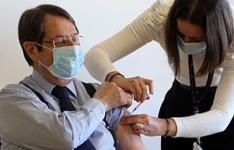 İkinci doz aşıyı oldu