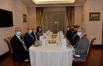 Tatar, Lillie ve İngiliz Dışişleri Bakanlığı üst düzey yetkilisi ile görüştü