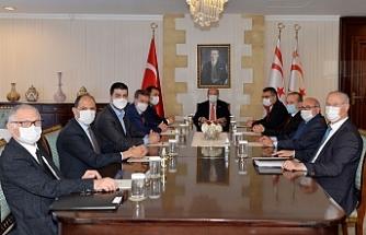 Tatar,  siyasi parti başkanlarıyla bir araya geldi