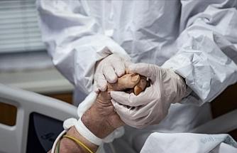 Türkiye'de Kovid-19 ağır hasta sayısı yaklaşık 3 ay sonra 2 binin altına indi