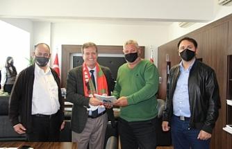 Ortaköy Spor Kulübü Yönetim Kurulundan Arıklı'ya ziyaret