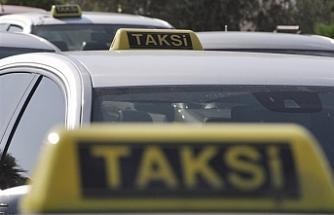 Birleşik Taksiciler Birliği 9 yolcu altında taşımacılık izni olanlara Güney Kıbrıs'a yolcu taşıma izni verilmesini eleştirdi