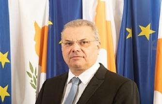 Rum İçişleri Bakanından dikenli tel açıklaması