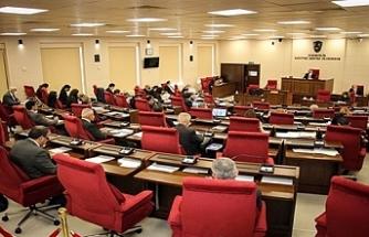 Meclis, 4 saat gecikmeli toplandı