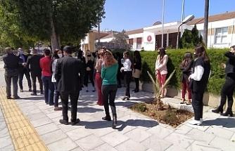 Temaslı Vekilin Meclis'e gelmesi nedeniyle çalışanlardan eylem