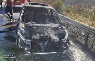 Girne - Lefkoşa Anayolununda araç yandı