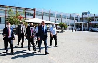 Amcaoğlu, Girne'de bazı okulları ziyaret etti