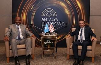 Ertuğruloğlu, Somali Dışişleri Bakanı ile görüştü