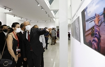 """Tatar """"Işıkla yolculuk"""" fotoğraf sergisinin açılışını yaptı"""