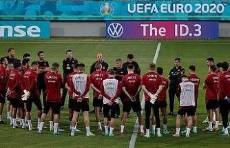 Türkiye A Milli Futbol Takımı Bakü'deki ilk çalışmasını yaptı