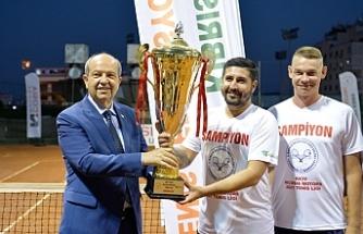 Tatar, Tenis Federasyonu kupa törenine katıldı