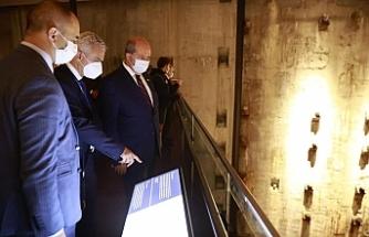 Cumhurbaşkanı Tatar, 11 Eylül Anıtı ve Müzesini ziyaret etti