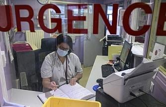 Fransa'da Kovid-19 aşısı olmayan yaklaşık 3 bin sağlık çalışanı açığa alındı