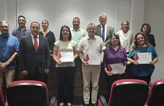 Eğitimlerini tamamlayan gazetecilere sertifikaları verildi