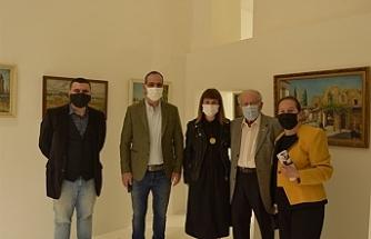 """""""Madam Yenge-Ressam, Fotoğrafçı & Koleksiyoner: Olga Rauf"""" sergisi açıldı"""