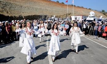 Folklor gösterileri de yapıldı