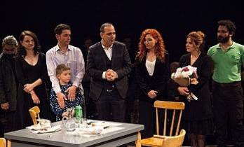 """""""Öksüzler""""in prömiyeri Bandabuliya Sahnesi'nde gerçekleştirildi"""