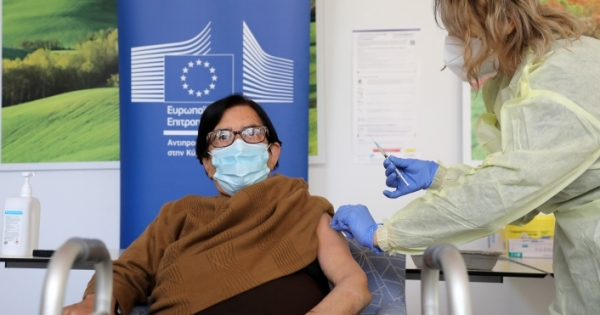 Λεπτομέρειες σχετικά με τον εμβολιασμό στο νότο