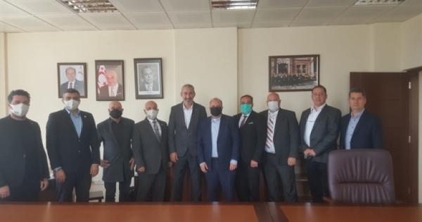 Επίσκεψη στην Τράπεζα Ανάπτυξης από την αντιπροσωπεία İŞAD