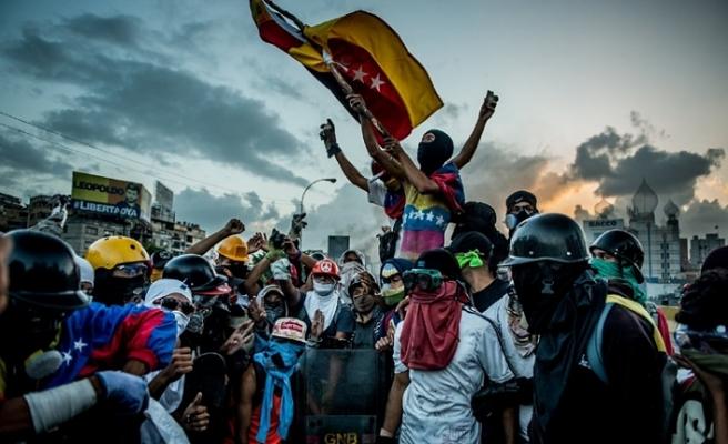 VENEZUELA'DA HAPİSTEKİ MUHALİFLER SERBEST BIRAKILDI