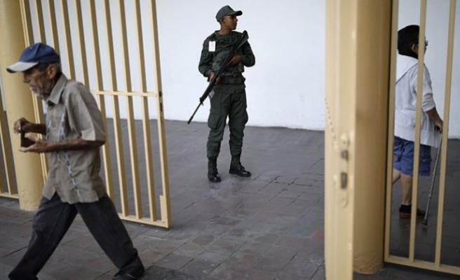 """VENEZUELA'DA """"ULUSAL DİYALOG"""" İÇİN 43 MAHKUM DAHA SERBEST BIRAKILDI"""