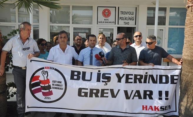 HAK-SEN TREN YOLU POLİKLİNİĞİ'NDE UYARI GREVİ YAPTI
