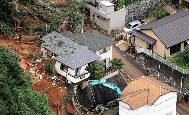 JAPONYA'DA SEL VE TOPRAK KAYMASI... 50 ÖLÜ