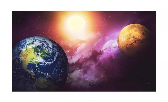 MARS DÜNYA'YA EN YAKIN KONUMA GELİYOR