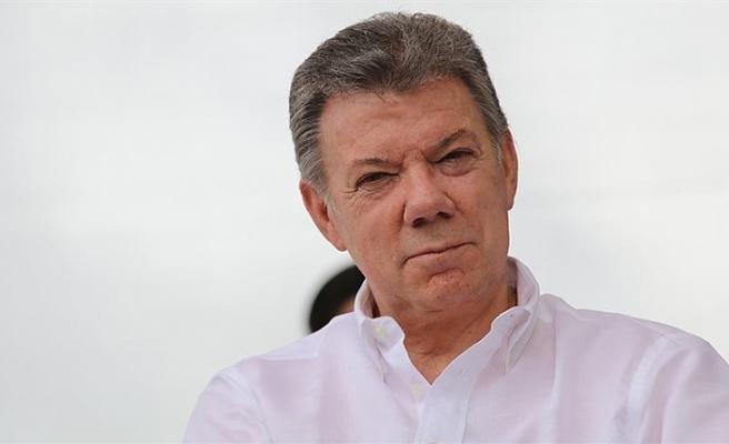 SANTOS, PUTİN'DEN MADURO'YA DESTEĞİNİ KESMESİNİ İSTEDİ