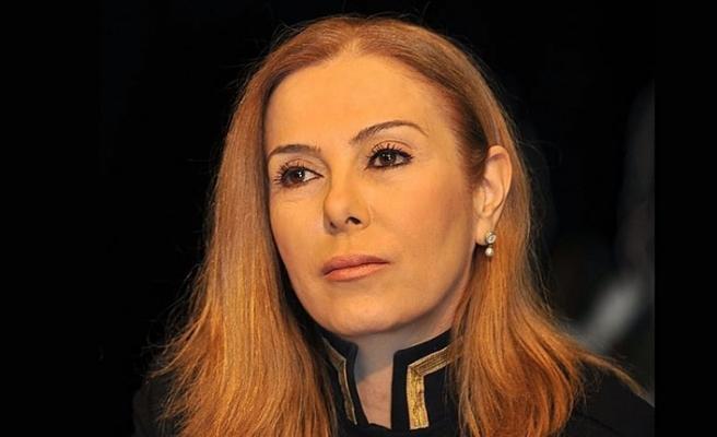 """ZUHAL OLCAY'A """"CUMHURBAŞKANINA HAKARET""""TEN CEZA"""
