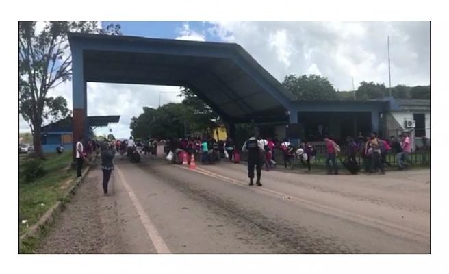 BREZİLYA'DA HALK VENEZUELALI GÖÇMENLERE SALDIRDI