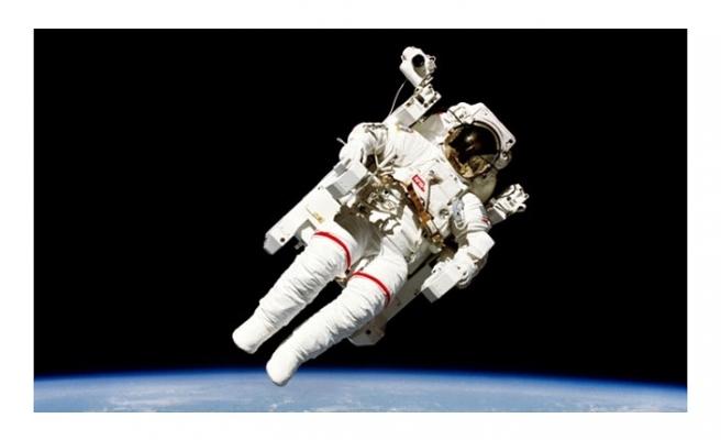 NASA İLK TİCARİ İNSANLI UZAY UÇUŞLARININ ASTRONOT KADROSUNU AÇIKLADI
