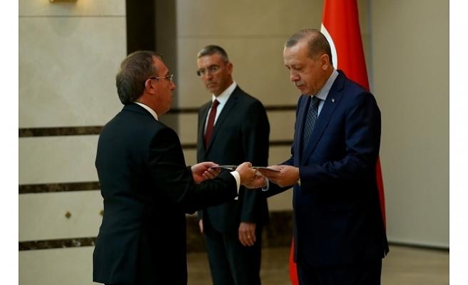 ANKARA BÜYÜKELÇİSİ KÖPRÜLÜ, TC CUMHURBAŞKANI ERDOĞAN'A GÜVEN MEKTUBU SUNDU