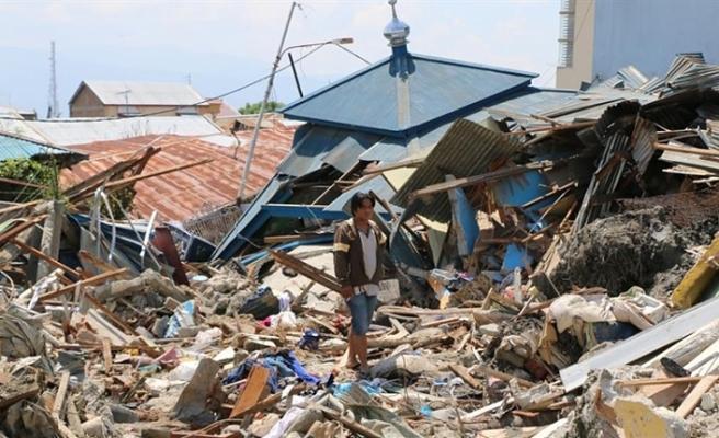 ENDONEZYA'DAKİ DEPREMDE ÖLÜ SAYISININ ARTMASINDAN ENDİŞE EDİLİYOR