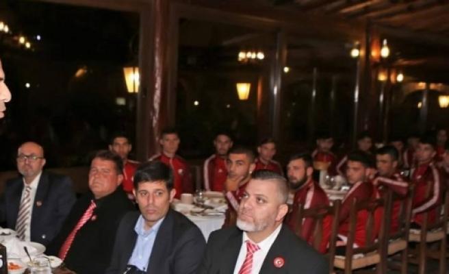 Bakan Özersay KTFF ve LTTFF onuruna akşam yemeği verdi
