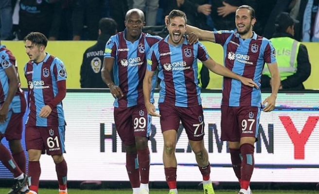 Derbide Bordo-Mavi rüzgarı...Fenerbahçe'yi eli boş gönderdi